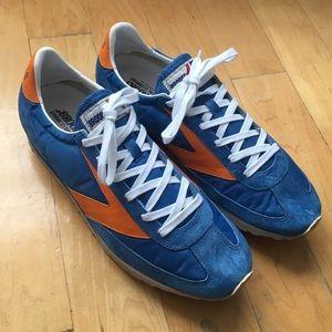 Brooks Heritage Retro Sneakers in Blue Suede